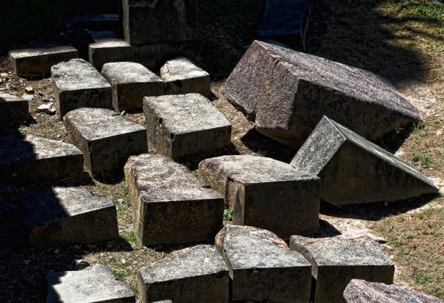 archaeologyperollantaytambobloquesenterrados